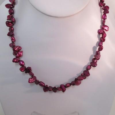 Fuchsia pink pearls set