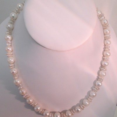 White round pearls and keisha nuggets‏ featured