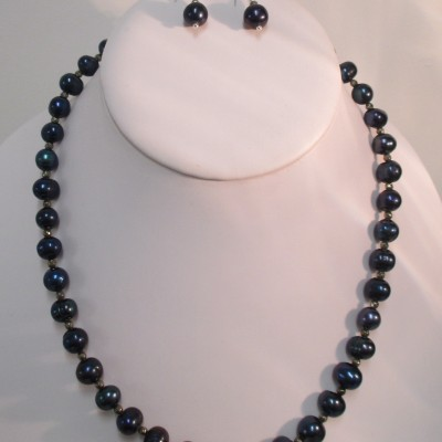 Navy pearls and pyrite set‏