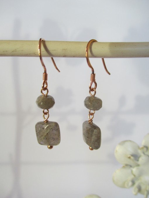 Labradorite and rose gold earrings‏