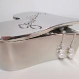 Round and keshi pearls earrings display