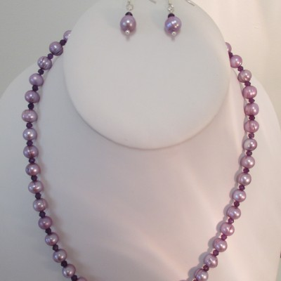 Lilac pearls and amethyst set‏