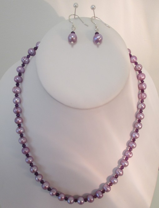Lilac pearls and amethyst set