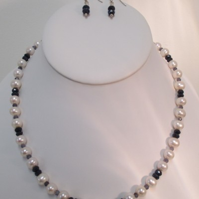Sapphire, Iolite and pearls set