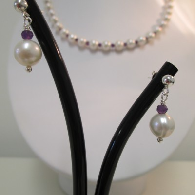 Pearl and amethyst set