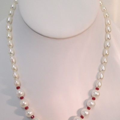 Pearls and ruby necklace